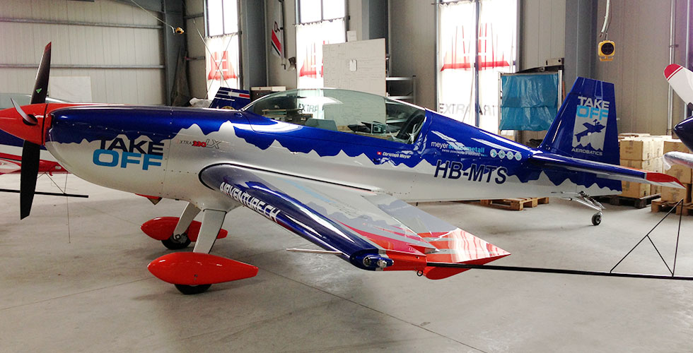 Two-seater: HB-MTS - Extra330LX (year 2013)